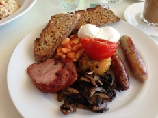 Free Range Eggs (Poached), Baked Beans, Grilled Tomato, Sausage, Hash Brown, Mushroom, Bacon on Wholemeal Toast 2