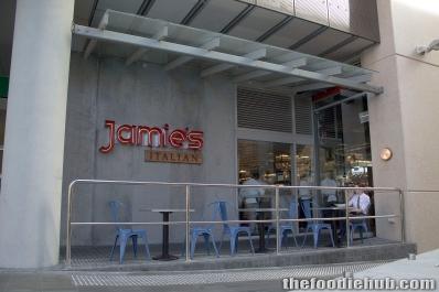 Jamie's Italian Wellington St Approach